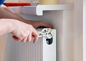 Instalación radiador calefacción gas natural